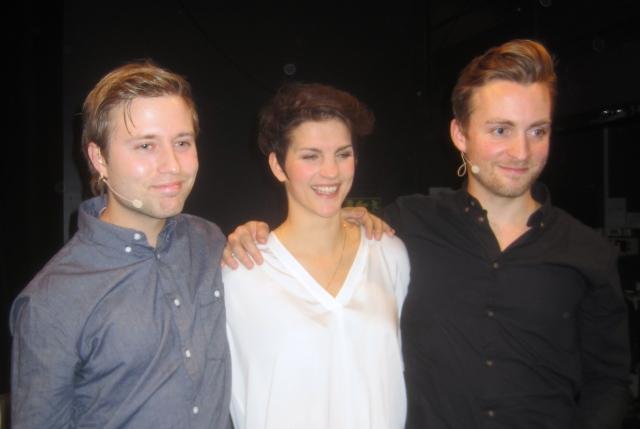 Robert (Oskar Nilsson), Kristina (Maria Ylipää) och Karl-Oskar (Robert Noack)  kommer till GöteborgsOperan med ett vinnande koncept från Svenska Teatern i Helsingfors.