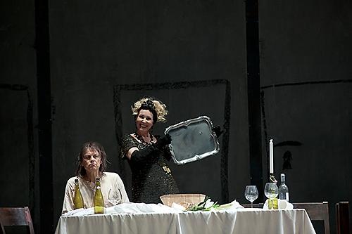 Mats Persson (Johannes Döparen) och Ulrika Tenstam (Herodias). Foto - Mats Bäcker